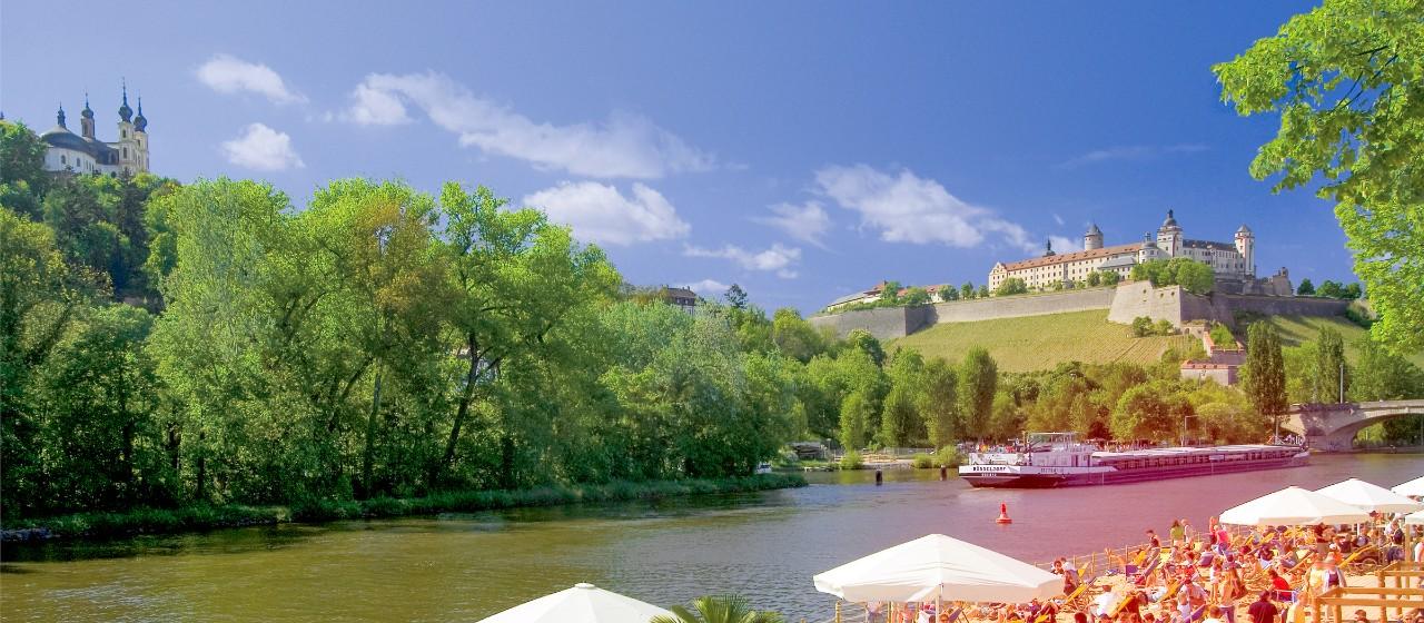 Alte Mainbrücke vor Festung Marienberg